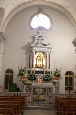 L'altare[The altar]