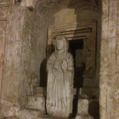 Statua di Santa Restituta[Statue of Saint Restituta]