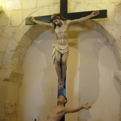 Crocifisso e statua di San Lorenzo[Crucifix and statue of Saint Lorenz]