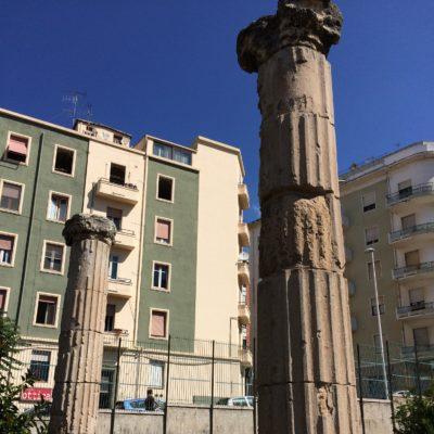 Le colonne di una casa[Columns of a house]
